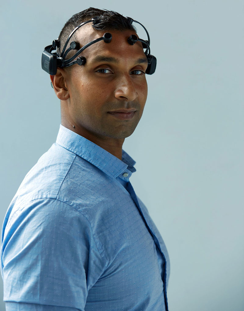 users researchers neurotech headset emotiv epoc plus brain measuring data hardware